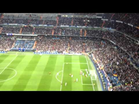 Real Madrid vs Manchester United - Fan Cam from Santiago Bernabéu