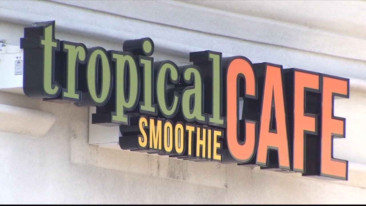 Tropical Smoothie Cafe giving out free smoothies if you wear flip flops