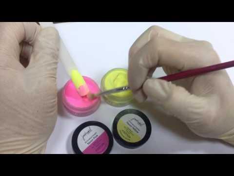 Цветной маникюр с акриловой пудрой