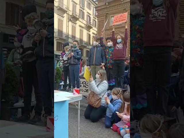 Torino protesta scuole 26 3 21 1