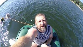 Na člunu u rybníku Boleváku :)