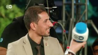 شاب عراقي ينفعل في وجه المتحدث باسم وزارة الشباب: