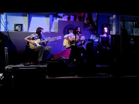 Matt Berry - 04 - Snuff Box Theme and Take My Hand (Rough Trade East London 27/09/2011)