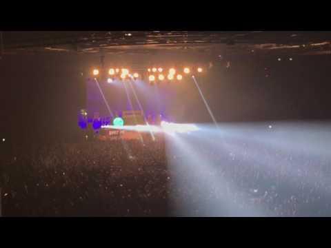 BONEZ MC & RAF CAMORA Palmen aus Plastik Ohne Mein Team Tour Berlin