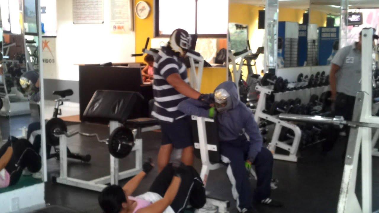 Luchadores en el gym fitmax youtube for Gimnasio 7 de fitness badalona