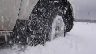 Renault Duster 1.6 in medium snow. Рено Дастер 1,6 в неглубоком снегу