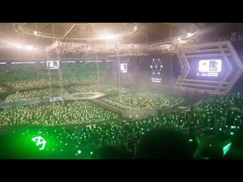 Chen EXO sing along with EXO-L \