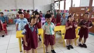 Belajar Bahasa Mandarin dengan gerak dan lagu - TK Santo Markus 1