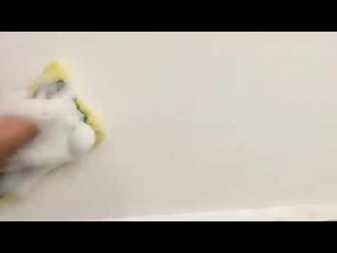 Чем отмыть стены в прихожей?
