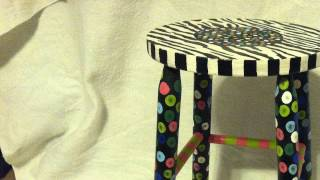 How To : Paint A Wooden Stool