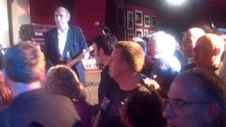Stepping stone (Monkeys), covered by Mick Jones, Glen Matlock, S. Diggle
