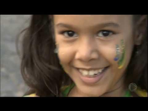 Tradicional Bandeirão da Copa invade as ruas de Salvador