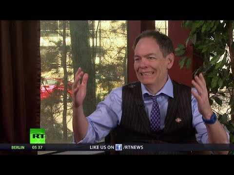 Keiser Report: The disappearing middle class (E1334)