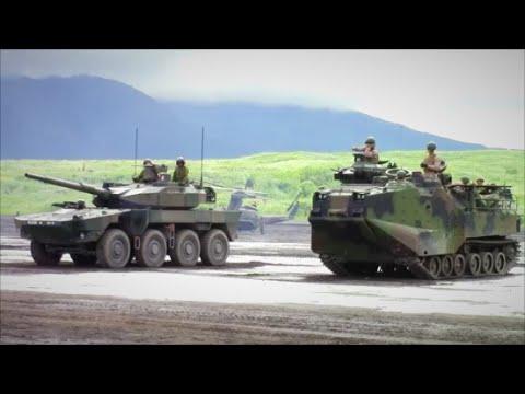 2016.〈16式機動戦闘車MCV〉と〈水陸両用車AAV-7〉 陽気なアメリカ兵 .