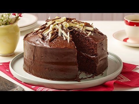 Easy chocolate fudge cake recipe betty crocker youtube for Simple chocolate fudge cake
