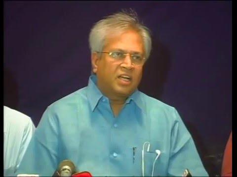 Undavalli Arun Kumar Fight On AP Bifurcation // Vundavalli Aruna Kumar  Media On Telangana Issue