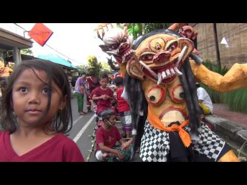 Bali: Ogoh ogoh #2 Padangtegal Ubud 2017 by Hans Smeekes