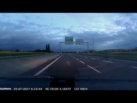 Contresens sur autoroute  A75 Clermont-Ferrand. La voiture arrive face aux gendarmes
