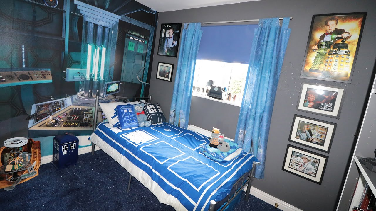 big surprise for mini matt smith i got a tardis room