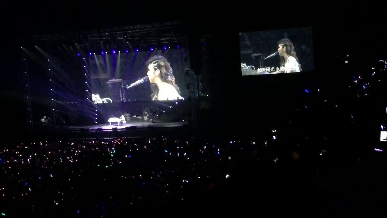 鄧紫棋G. E. M. X X X 演唱會 高雄 2015 5/2 14-14 安可曲 多遠都要在一起 - YouTube