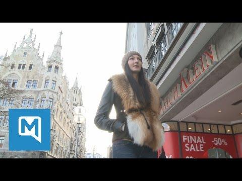 Riesen-Frau in der City - so reagieren die Münchner