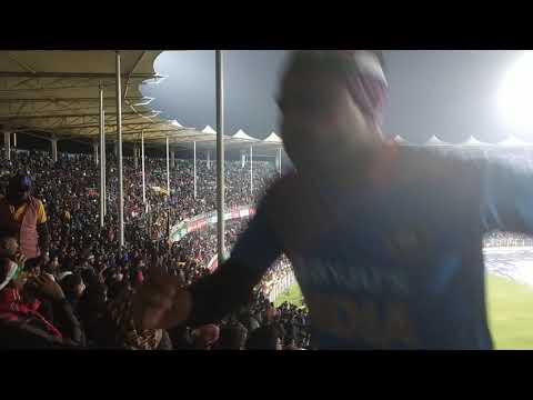 """40000 people singing """"Maa Tujhe Salaam"""" at Barshapara Stadium...India vsSri Lanka T20"""