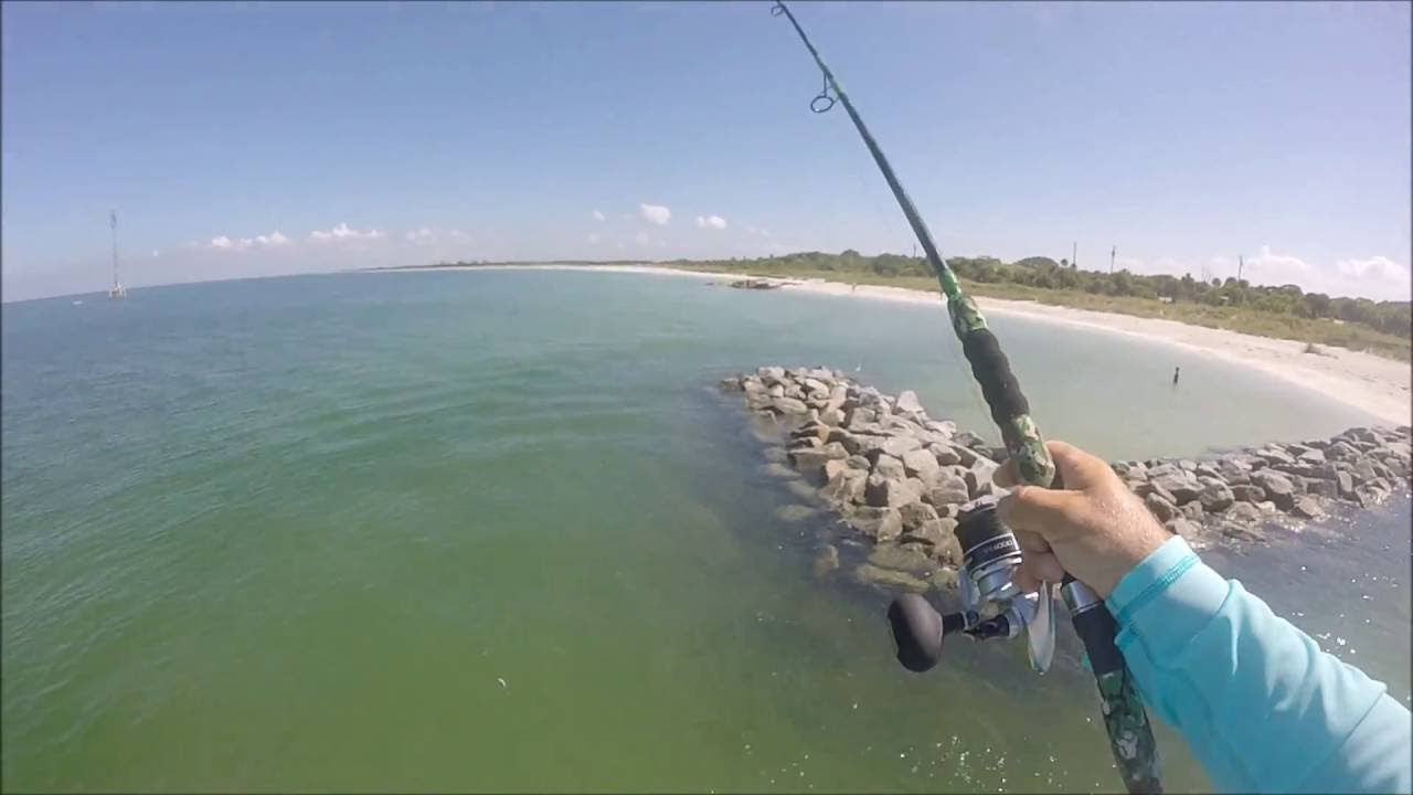 Snook fishing fort desoto pier part 1 youtube for Fort desoto fishing pier