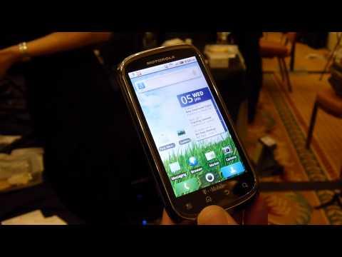 Motorola CLIQ 2 Demo