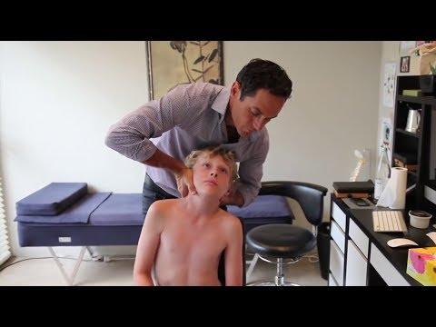 Dr. Ian - Adjustment for  Acute Torticollis - Gonstead Chiropractic