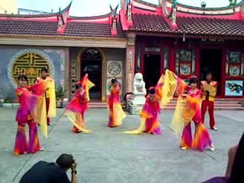 Moon Dance (Lotus Dancer Tebing Tinggi)