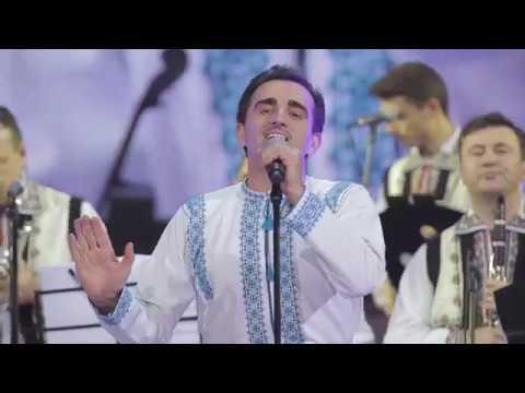 Ansamblul Etnofolcloric Plăieșii și Orchestra Fraților Advahov - La omul care mi-i drag
