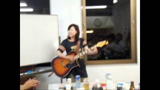 仙台・繋ぎ隊交流会で歌ってくれました。