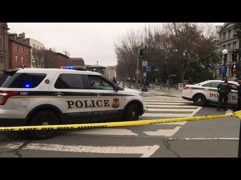 Une voiture percute une barrière près de la Maison Blanche
