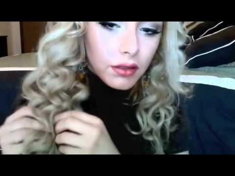 Taylor Swift Curls Hair Tutorial