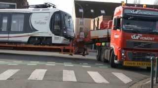 Repeat youtube video Convoi exceptionnel avec une rame de tramway - Marcq en Baroeul