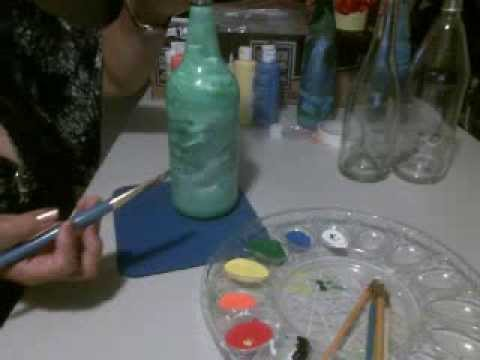 Como pintar y decorar una botella de vidrio artemania por - Como decorar botellas con papel ...