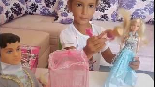 Video Elif için yeni oyuncak . prens ve prenses isimleri biz veriyoruz. bebekleride var ::)) download MP3, 3GP, MP4, WEBM, AVI, FLV November 2017
