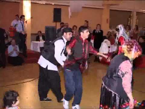 رقص قاسم آبادی/ جشن گیلانیها 2011 هامبورگ Faryar thumbnail