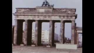 1969.Западный Берлин,вид на ГДР - через Стену.