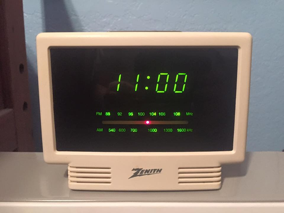 "Zenith ""Circle Of Sound"" Clock Radio - YouTube |Zenith Clock Radio"