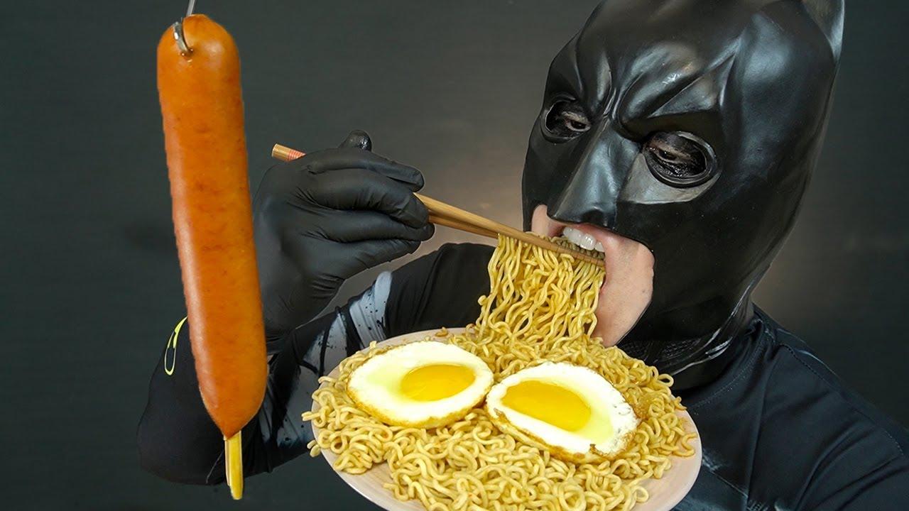 세계1위 인도네시아 미고랭 라면 & 엄청 큰 핫바 먹방 ASMR MUKBANG INDOMIE MI GORENG NOODLES & BIG SAUSAGE EATING SHOW
