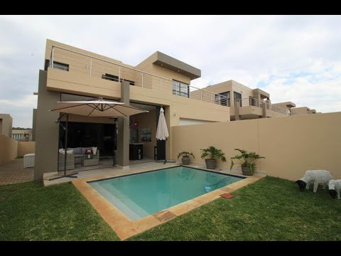 4 Bedroom Cluster for sale in Gauteng | Johannesburg | North Riding To Lanseria | North |