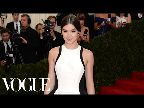 Hailee Steinfeld with Prabal Gurung at the Met Gala 2014 - The Dresses of Charles James - Vogue
