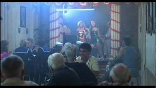 Patsy Kensit & Elizabeth Hurley -Porque Te Vas(Kill Cruise1990)