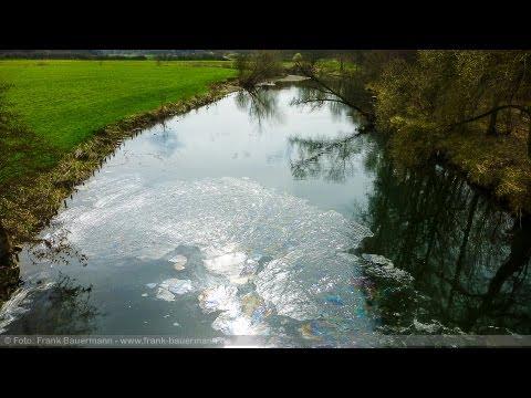 Gewässerverunreinigung: Öl auf Ruhr im Bereich Westhofener Straße - Feuerwehr hat Ölsperren gelegt from YouTube · Duration:  1 minutes 3 seconds