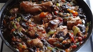 Тушеная курица с грибами. Курица, лесные грибы и овощи- вкуснятина!