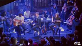 Video Kasabian - Praise You + L.S.F. (Acoustic) download MP3, 3GP, MP4, WEBM, AVI, FLV Juli 2018