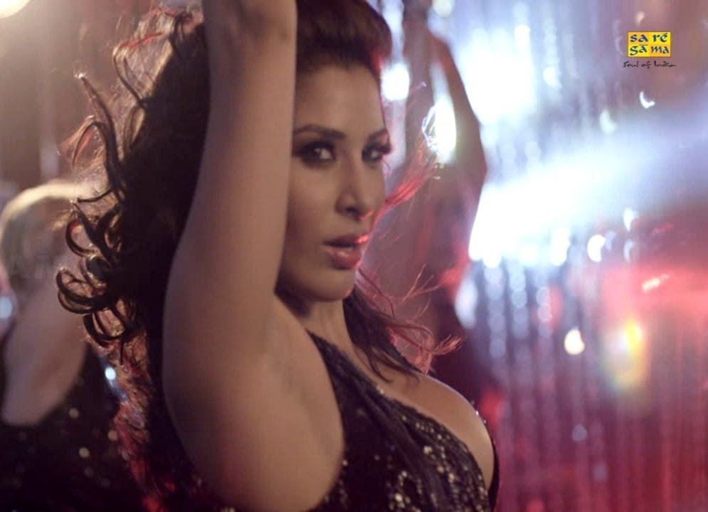 Sophie chaudhary hot video