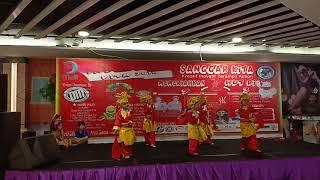 Ayam den lapeh lomba tari daerah Depok mall