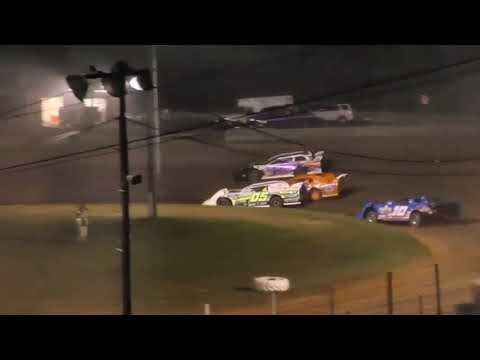 Tyler Neal Wins at Paragon Speedway after getting his new car. July 4th 2019